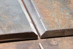 plate with v groove for butt welding