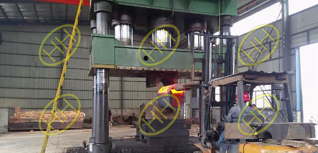 Heated pipe fitting forming in Haihao Factory
